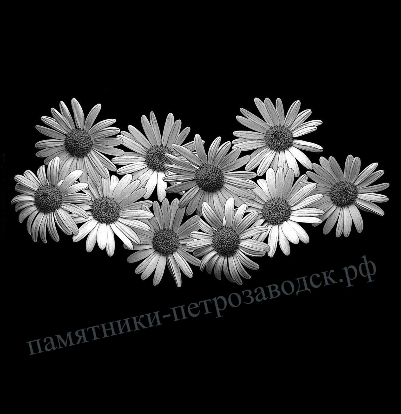 Гравировка цветов на памятнике фото